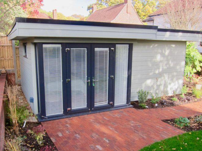 Garden Room with Shower/Toilet Facilities - Dorset